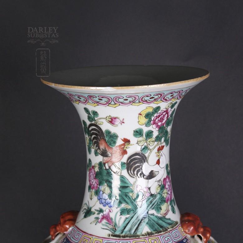 Famille Rose Vase Old - 2