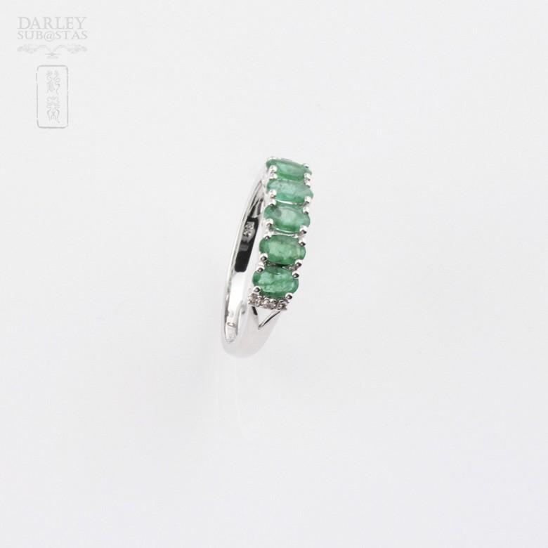 18k白金镶钻石配祖母绿戒指 - 1