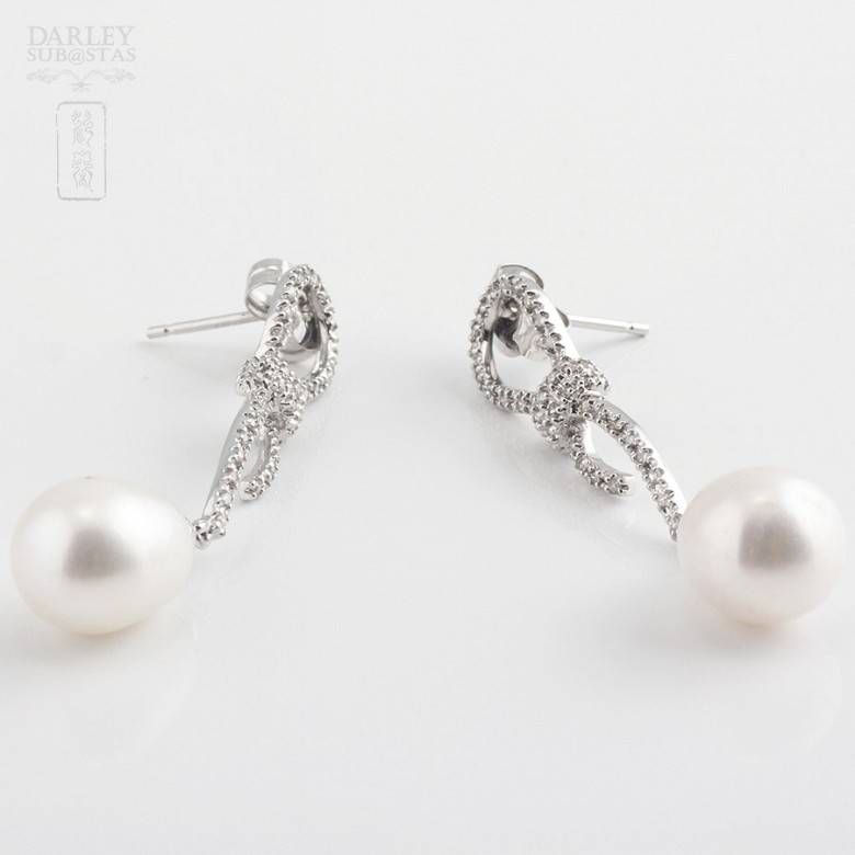 Earrings with Natural pearl and diamond in  white gold - 1
