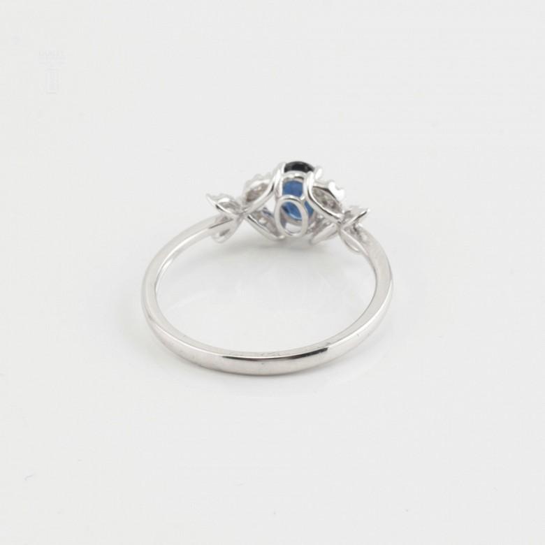 Precioso anillo oro blanco 18k, diamantes y zafiro - 2