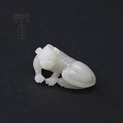 Mythological figure of White Jade Dog - 1