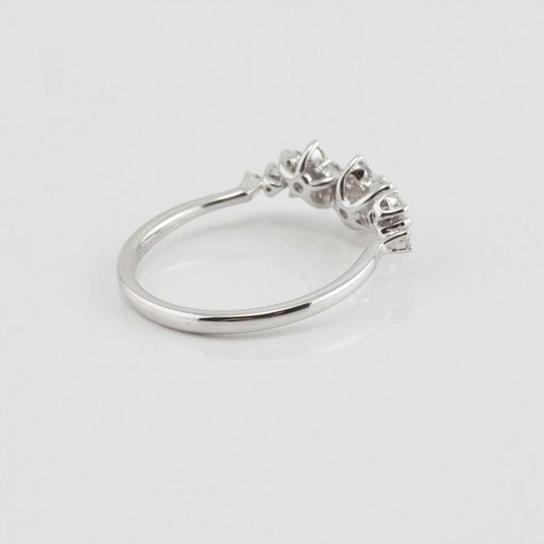 Fantástico anillo oro blanco y diamantes 0.51cts - 2