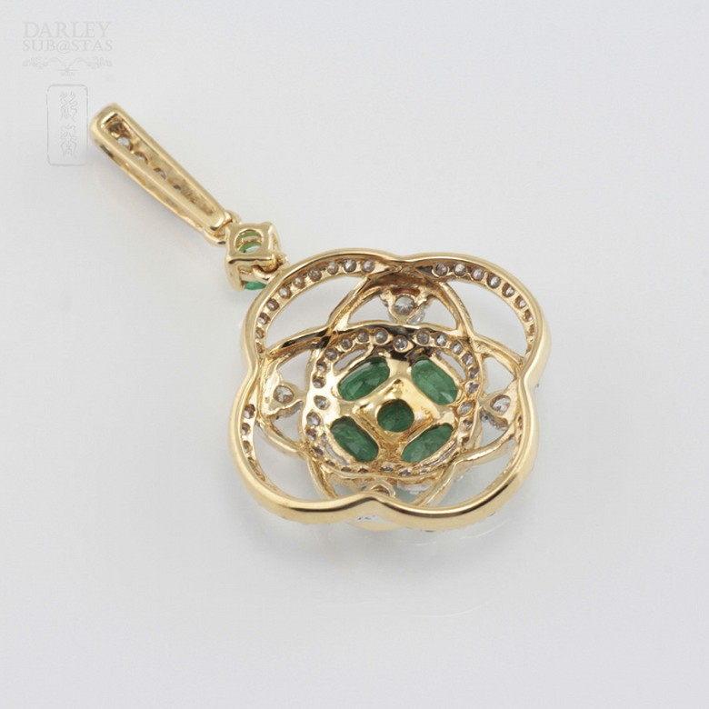 Precious emeralds and diamonds pendant - 3