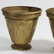 Pair of golden bronze pots. - 4