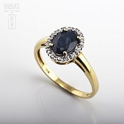 Ring with Sapphire and diamond  in yellow gold