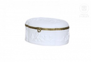 Biscuit porcelain jewelry box, Limoges, 20th century