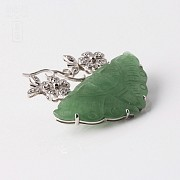 Brooch in 18k white gold with butterfly jade and diamonds - 1