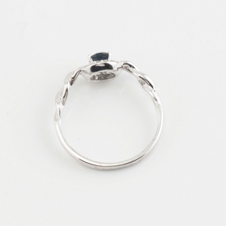 Sencillo anillo oro blanco 18k, zafiro y diamantes - 3