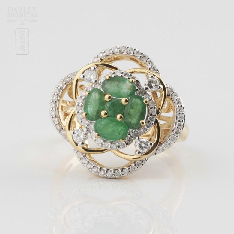 Beautiful emerald and diamond ring - 1