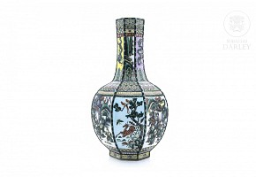 Porcelain vase famille verte, Qing dynasty.