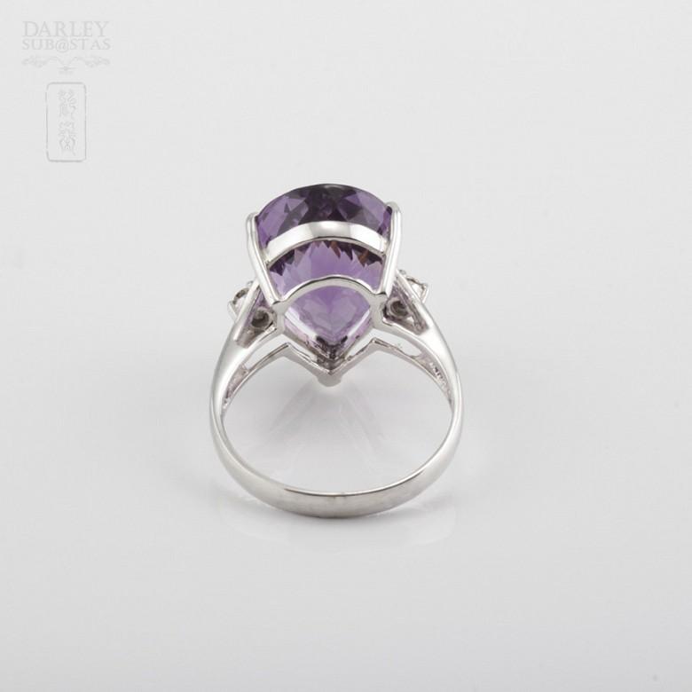 18k白金镶钻石配 深色紫晶戒指 - 2