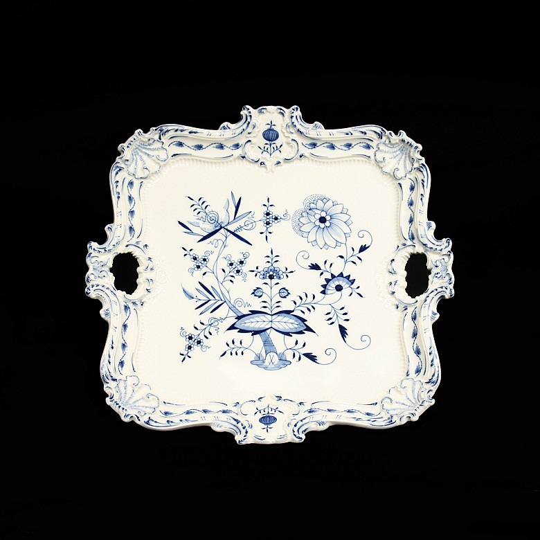 Glazed ceramic tray, blue and white, Meissen, early 20th century