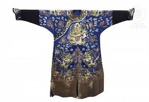 Traje imperial de seda azul