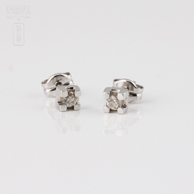 0.12克拉钻石18K白金耳钉 - 1