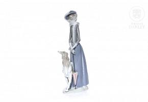 Lady with greyhound, Lladró, 80's.
