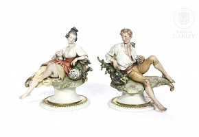 Couple of French porcelain peasants, 20th century
