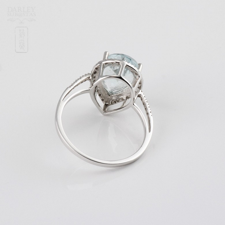 Ring with 2.60cts Aquamarine  and diamonds in 18k white gold - 2