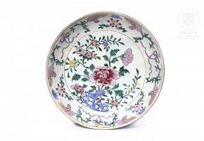 Porcelain dish, Qing dynasty.
