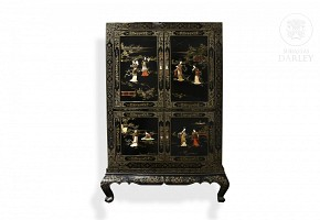 Lacquered wood sideboard, China, 20th century