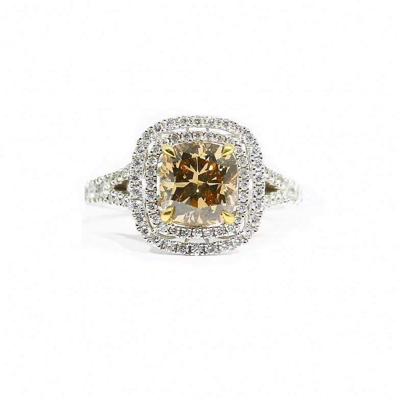 18k白金镶 2.06克拉黄钻石戒指