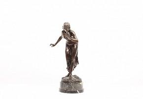 Martón Götze (1865 - 1928) Bronze figure with black marble foot.