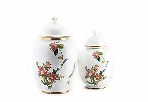 Pair of vases with lid, Hispania, 20th century