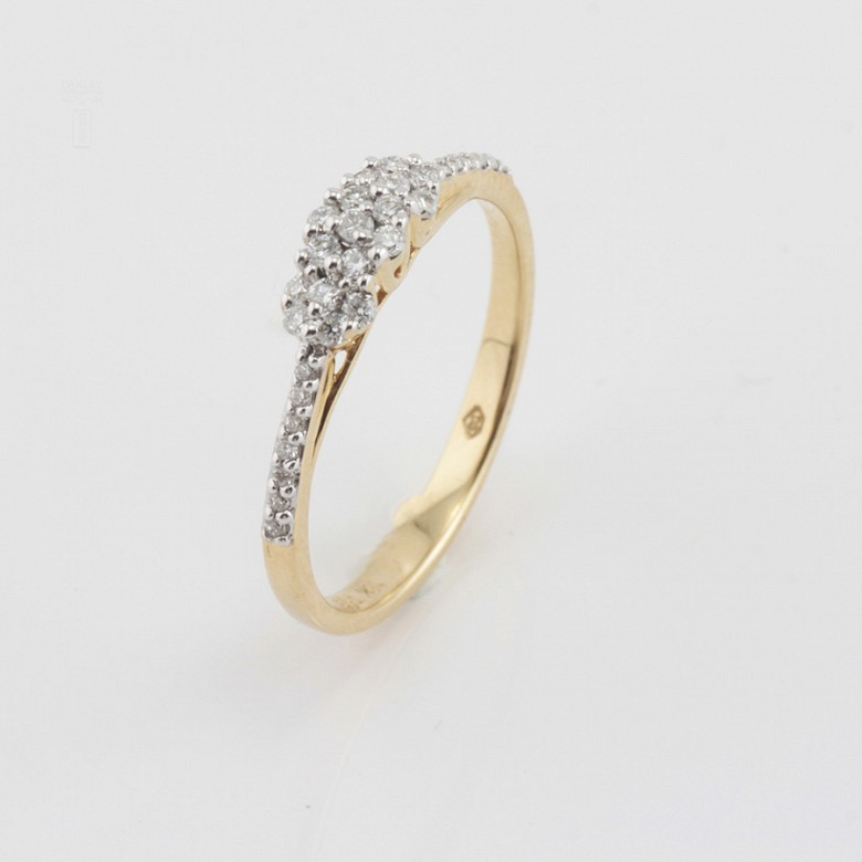 Precioso anillo oro amarillo 18k y diamantes 0.26cts