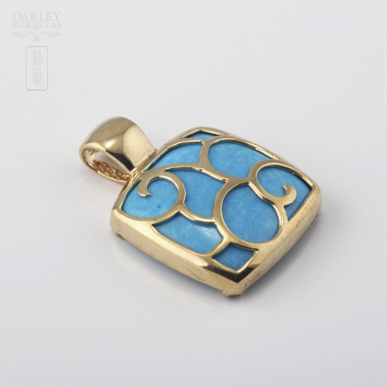 Pendant Yellow Gold and Natural Turquoise