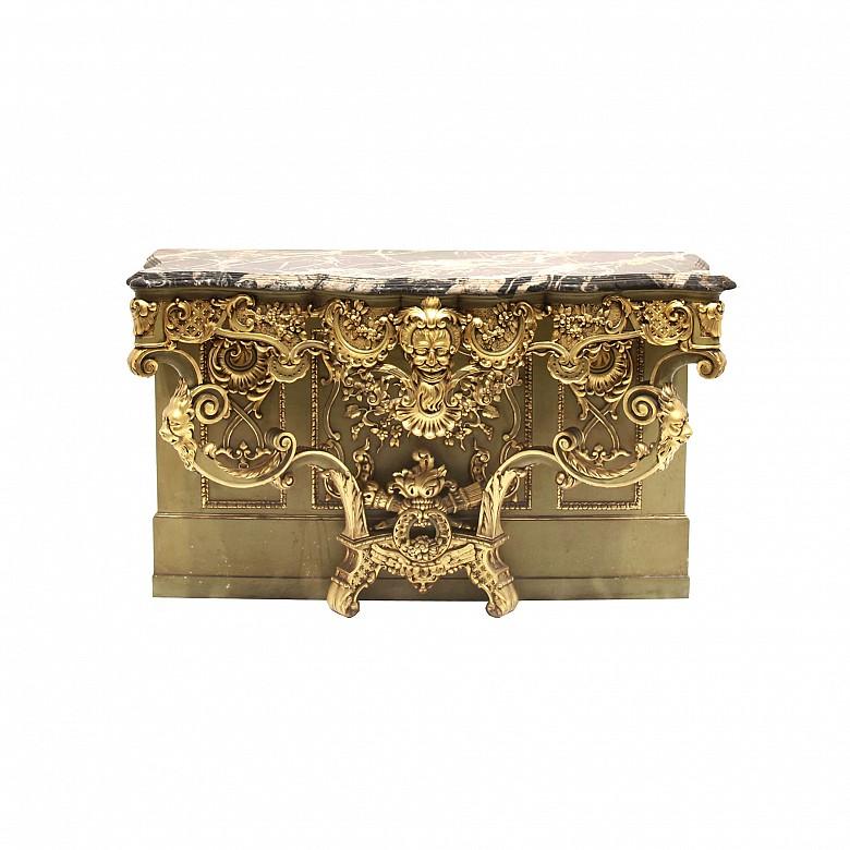 Consola de estilo italiano de madera tallada y policromada, s.XX