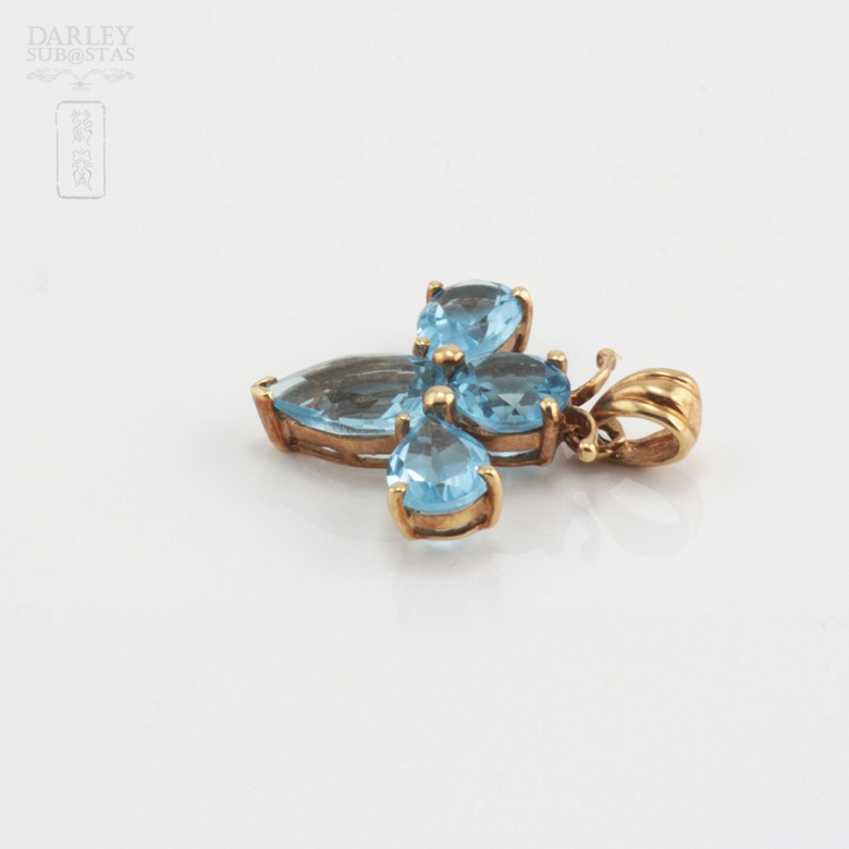 Pendant with 3.80cts Topaz in 18k Yellow Gold - 3
