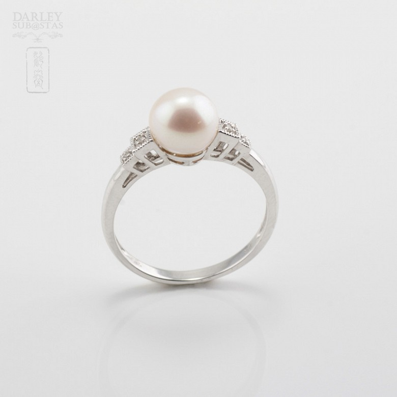 Ring with Natural Pearl in White Gold and Diamonds - 3