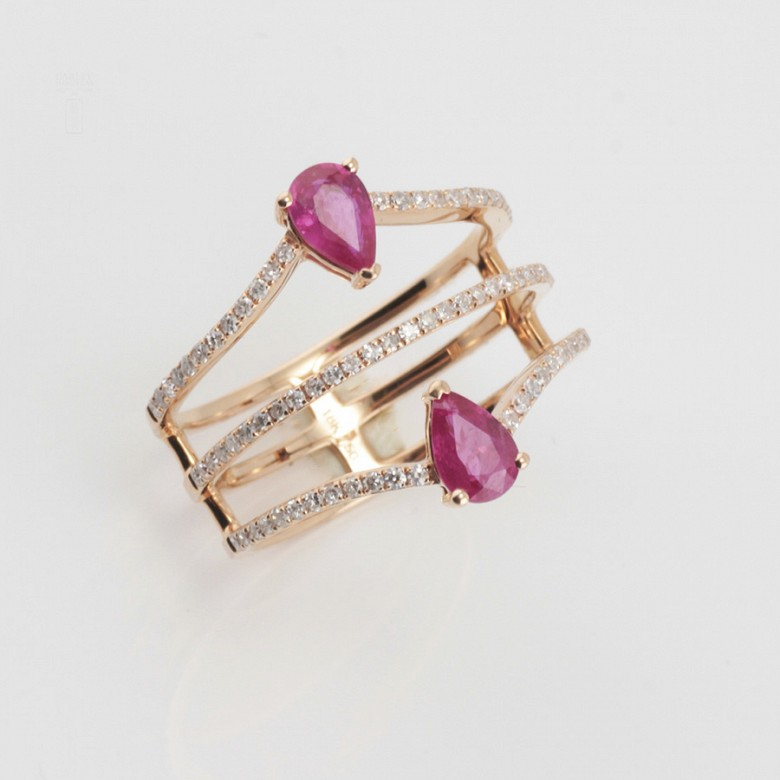 Precioso anillo oro rosa 18k, rubí y diamantes