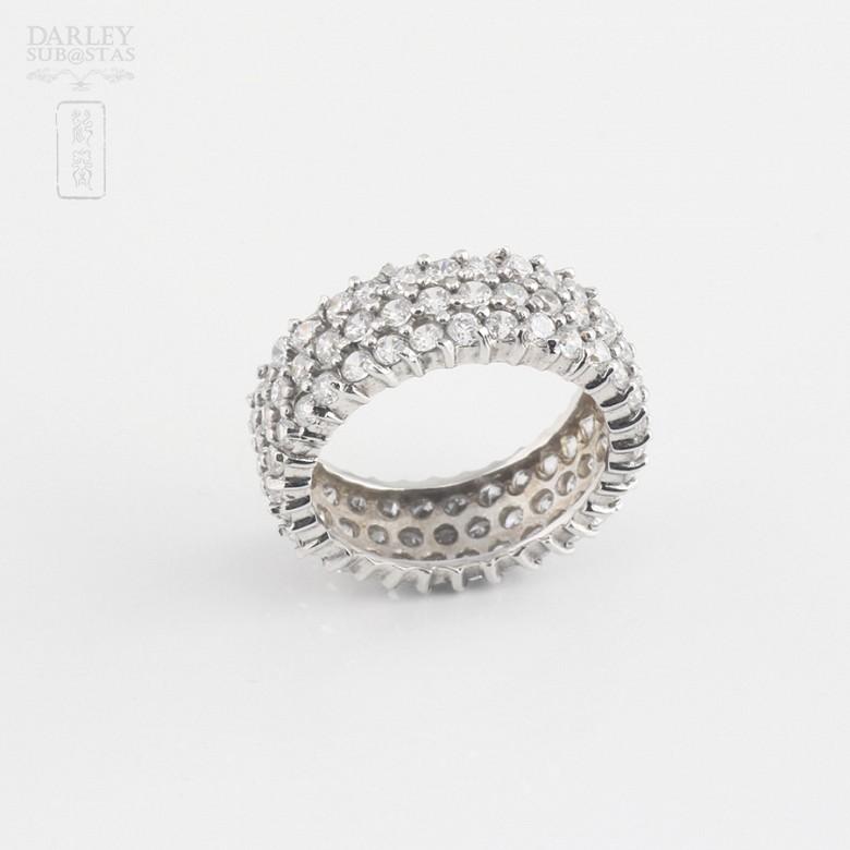 Bonito anillo en plata-rodio y circonitas