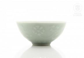 Cuenco con decoración incisa y vidriado celadón, China, s.XIX
