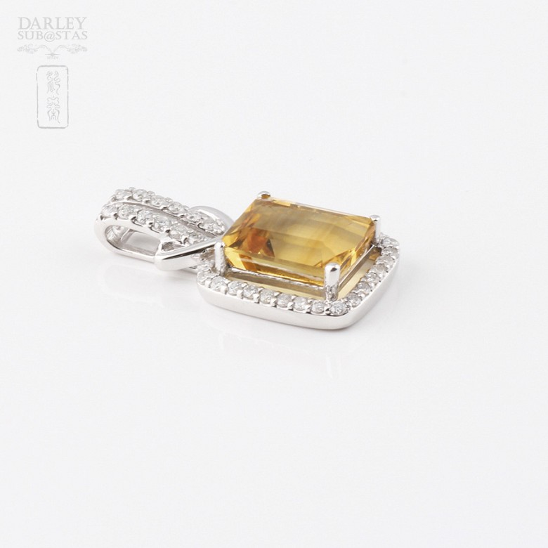 Pendant with 3.47cts citrine and diamonds in 18k white gold - 3
