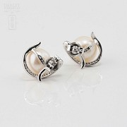 18K白金镶钻石配白珍珠耳环 - 3