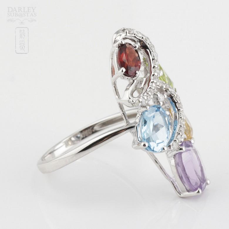 Bonito anillo en oro blanco 18k  con gemas semipreciosas y diamantes - 3