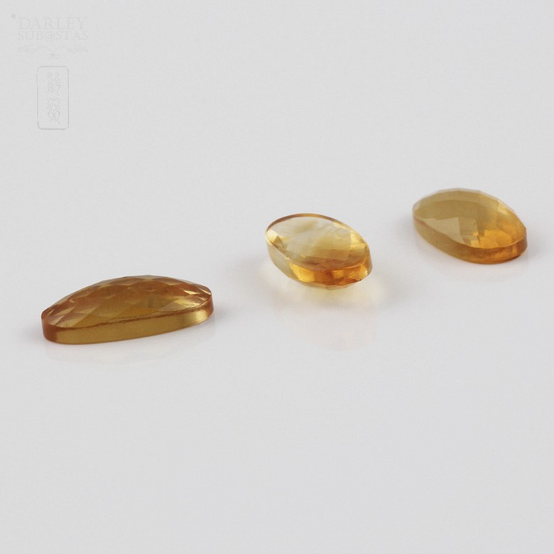 Lot of 3 beautiful citrines 2.50cts honey colored - 3