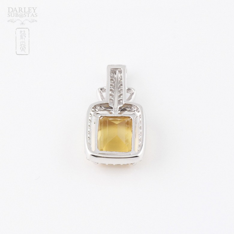 Pendant with 3.47cts citrine and diamonds in 18k white gold - 1