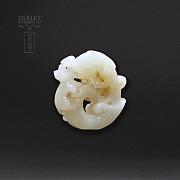 Colgante de Jade Natura forma de dragón antiguo. - 4