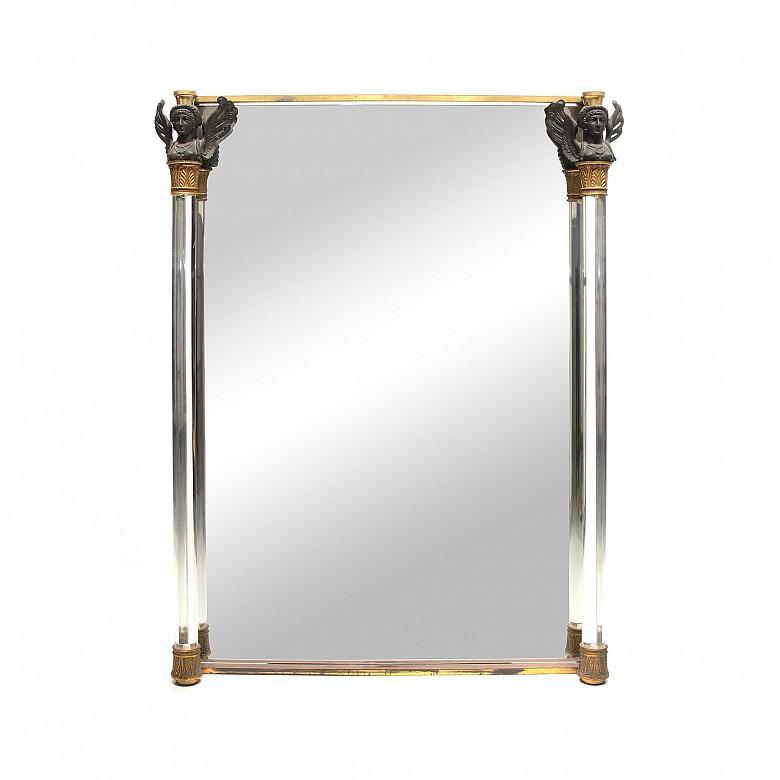 Gran espejo con columnas de cristal de roca y capiteles, estilo Imperio