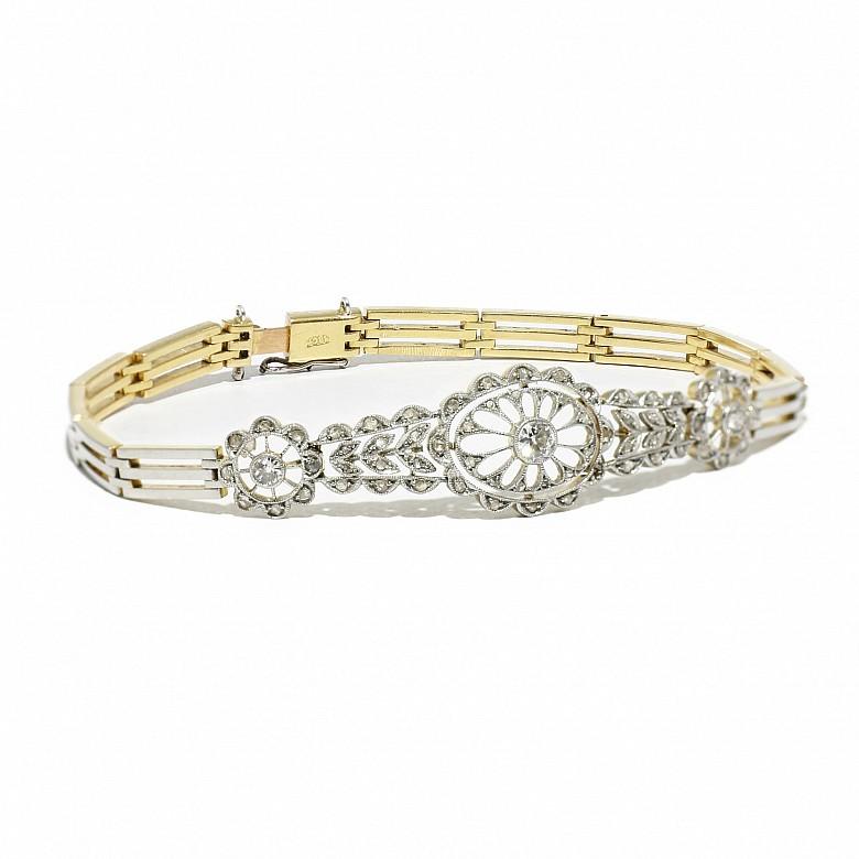 Link bracelet with antique-sized diamonds