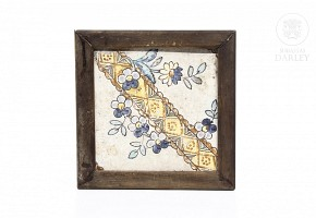 Valencian glazed ceramic tile, 18th century.