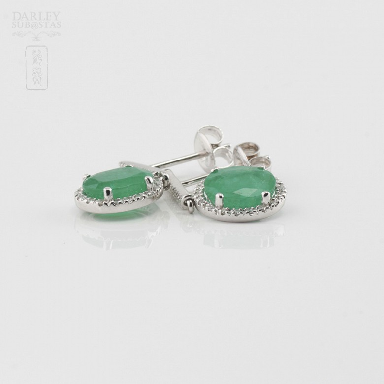 18k白金配祖母绿镶钻石耳环 - 1