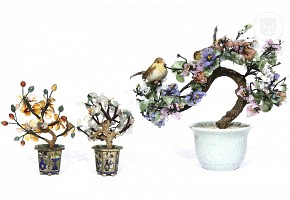 Lot of Chinese pots with bonsai in cut gems.