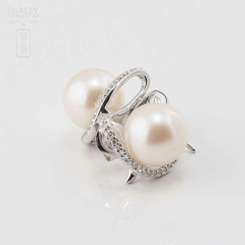 Earrings in white gold, pearl and diamond - 2
