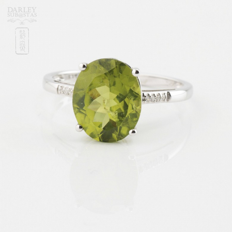 18K白金镶钻石配橄榄石戒指 - 1