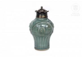 Yuan style vase in glazed porcelain, Qing dynasty.
