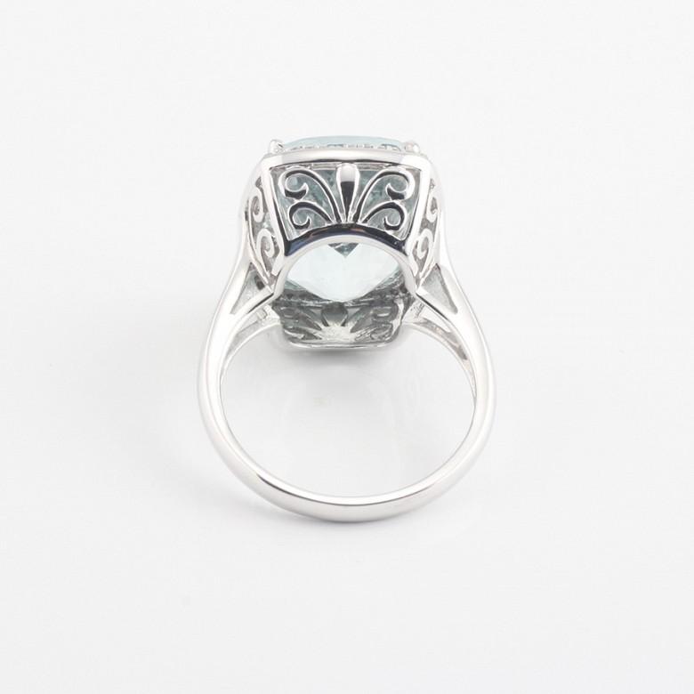 Anillo aguamarina 10.09cts y diamantes en oro blanco - 3