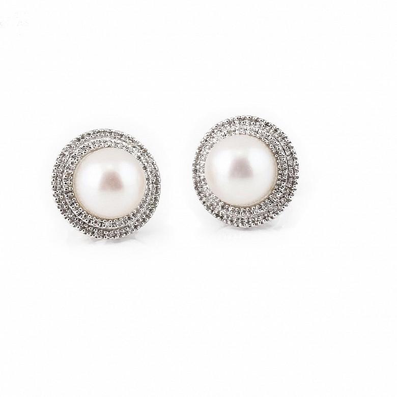 Pendientes en oro blanco de 18k con perlas y diamantes